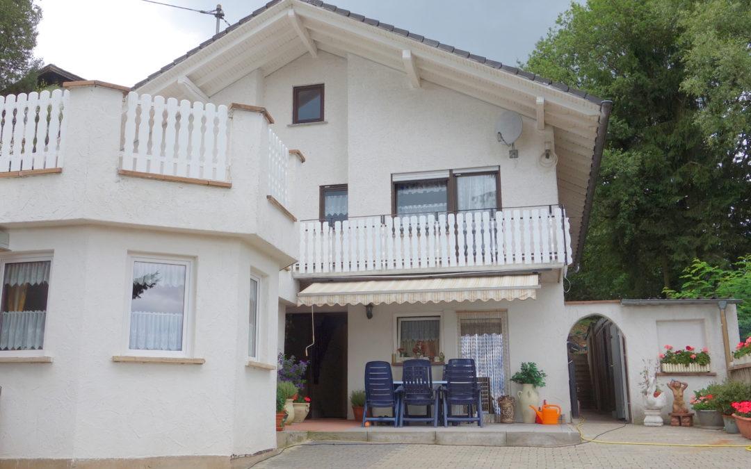 Wadrill, top gepflegtes 1FH mit ELW, 7-8 Zimmer, 2K, 2B, großes Grundstück, in exponierter Lage
