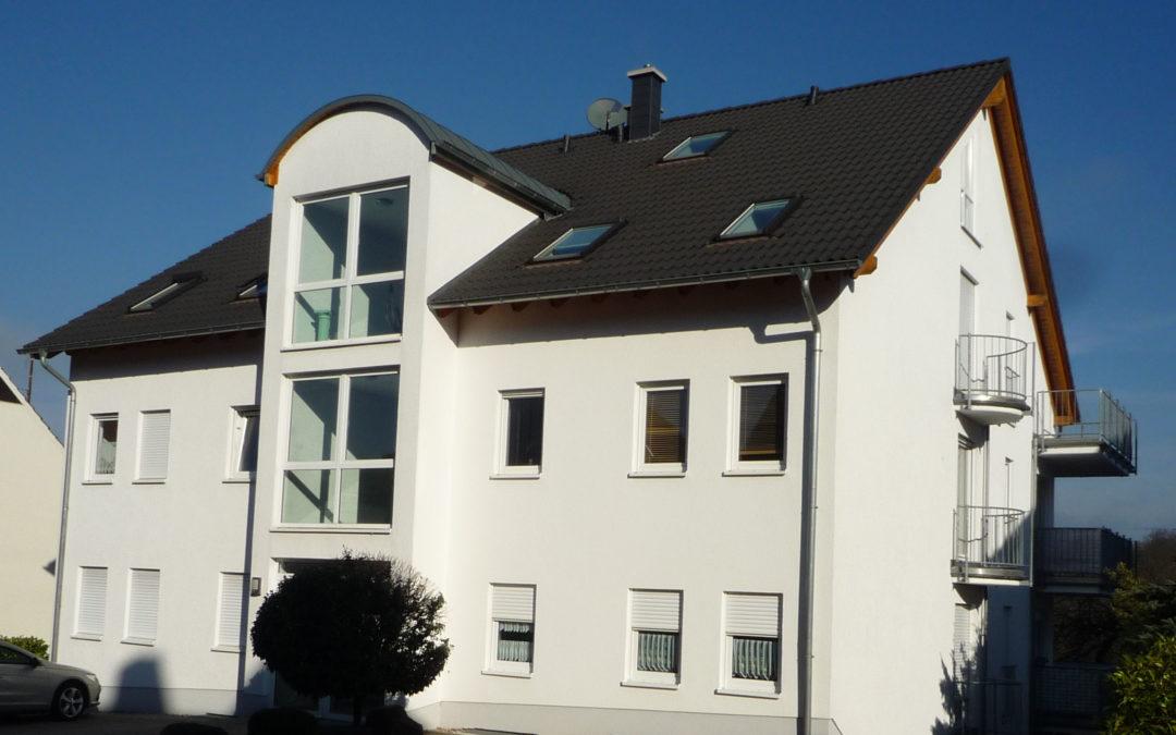 neuwertige 3-4 ZKB Maisonettewohnung mit EBK, Balkon und schönem Blick