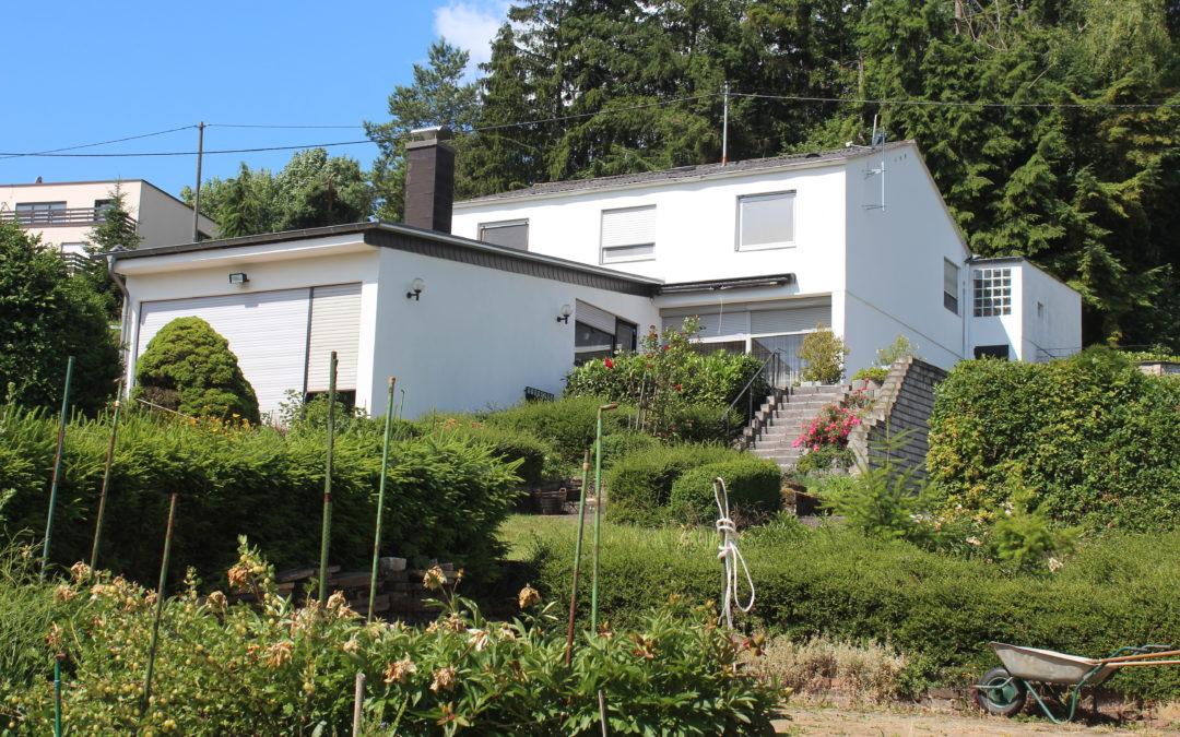 großzügiges Einfamilienhaus mit einem sehr schönen Grundstück