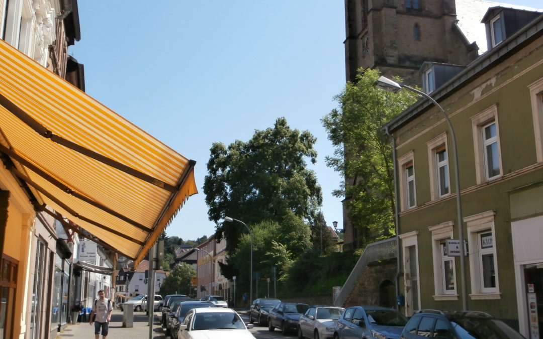 komplett renoviertes Stadthaus mit vermietetem Laden im Herzen von Dudweiler