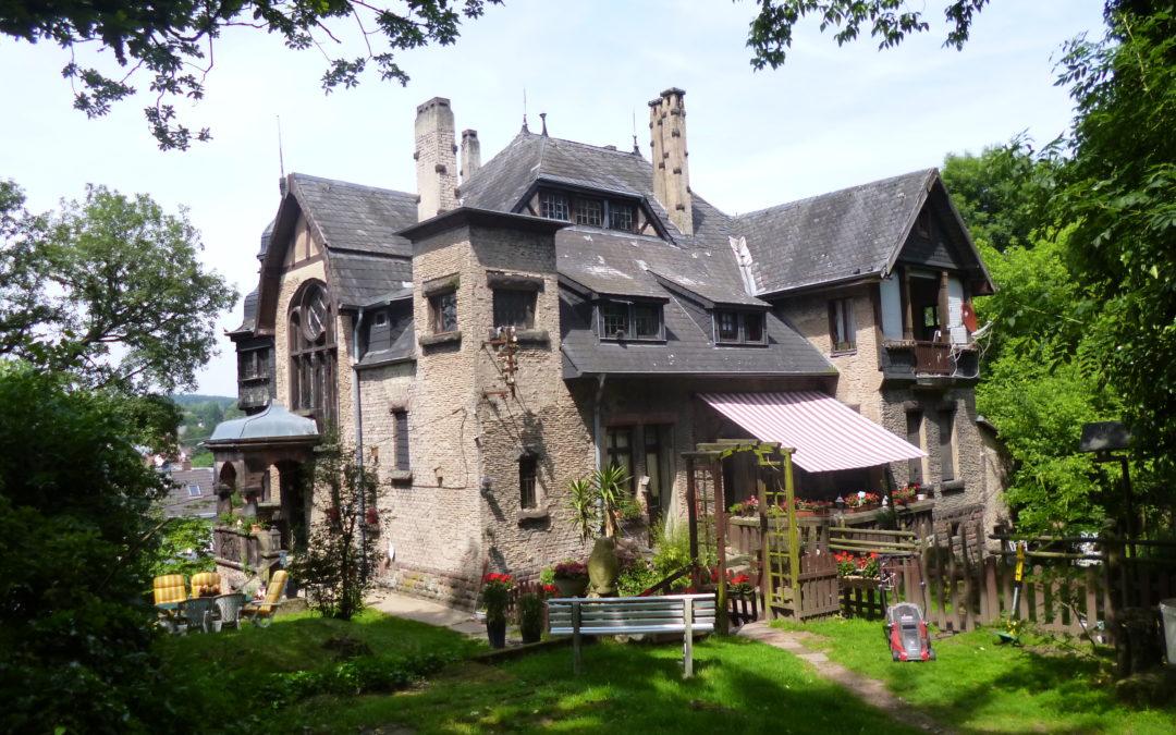 Stilvolle Villa mit großem Grundstück in Saarbrücken Dudweiler