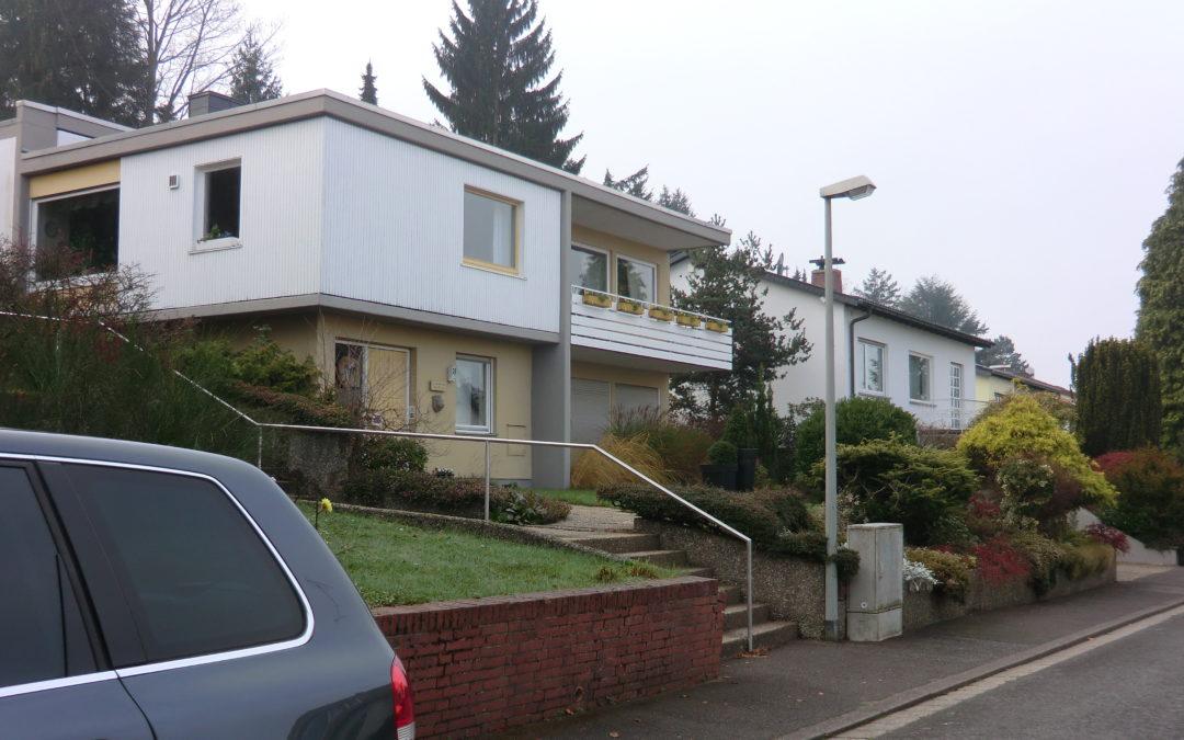 1-2 Familienhaus mit viel Platz – Wohnen u. Arbeiten in ruhiger Sackgasse
