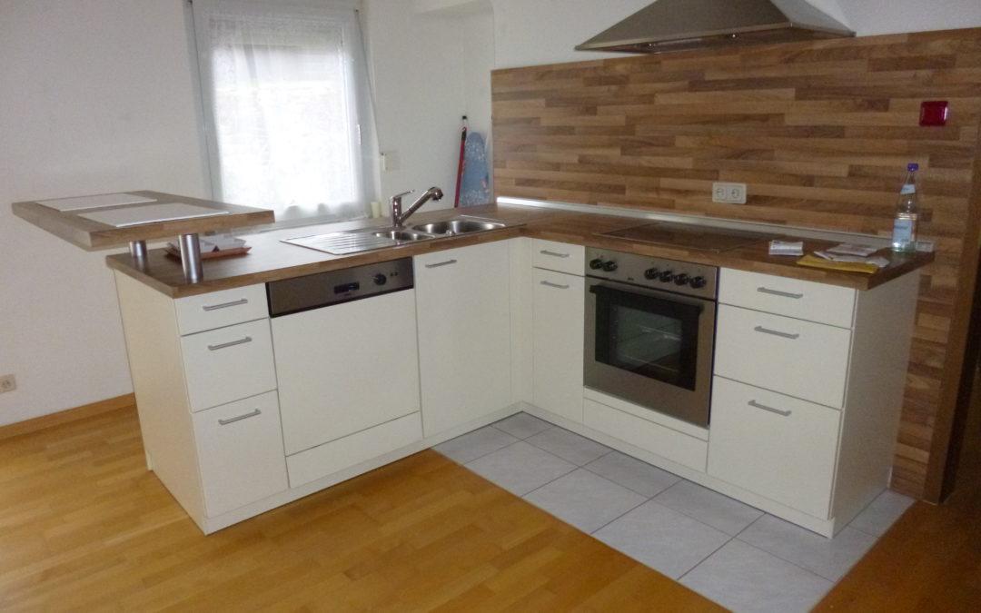 2 ZKB Wohnung mit neuwertiger Einbauküche