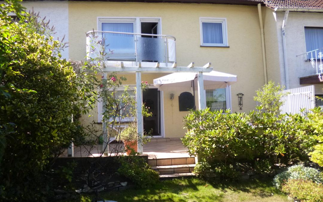 Gepflegtes Einfamilienhaus 4 ZKB mit Dachstudio – Option